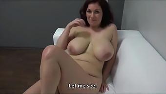 ssbbw lesbian pussy licking